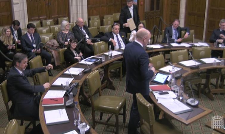 Broadband speed ads are fraud, says MP